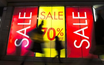 How Brick and Mortar Stores Can Win Against Online Retailers This Holiday